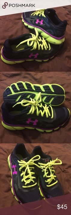 UA black/green pulse size 7.5 running shoes UNDER ARMOUR WOMEN'S MICRO G PULSE RUNNING SHOES BLACK/BITTER/STROBE SIZE 7.5 Under Armour Shoes Athletic Shoes