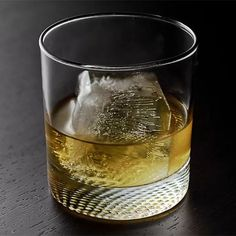 The simple two-ingredient French Connection is one of the best ways to enjoy a young cognac. Easy Cocktails, Cocktail Recipes, Cigar Bar, Bourbon Drinks, Family Kitchen, Scotch Whisky, Meal Planner, Kitchen Recipes, French Connection