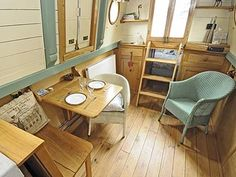 Really restful combination of colours Barge Interior, Yacht Interior, Best Interior, Interior Design, Sailboat Living, Living On A Boat, Small Living, Barge Boat, Canal Barge