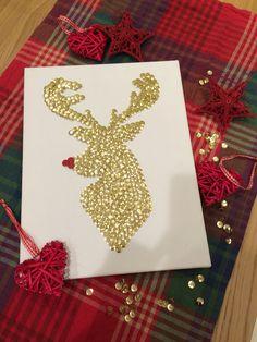 DIY Christmas Rudolph canvas wall art with thumbtacks! So easy to make!