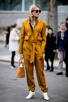 The Best Street Style At Paris Fashion Week Autumn Winter 2017, modest.