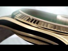 LA DAY-DATE REPREND DES COULEURS (Rolex)  ••• Alors que les Stella vintage des années 1970 (celles dont les clients européens ne voulaient pas !) ont vu leur cours multiplié par 4 aux enchères au cours de ces deux dernières années, Rolex relance sur le marché une série de Day-Date aux cadrans colorés, avec une grande délicatesse des tons retenus...