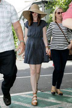 Anne Hathaway Shops on Sydney's Crown Street