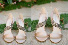 Unas sandalias con pedrería