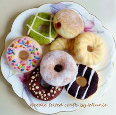Made to order needle felted donuts Each sold individually(Please convo me to set up a reserve listing for your custom order) Felt Cake, Felt Cupcakes, Diy Laine, Felt Food Patterns, Cupcake Pictures, Felt Play Food, Wool Needle Felting, Big Cakes, Fake Food