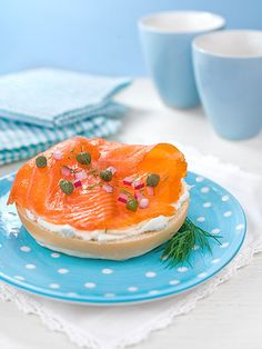 """Whole-wheat bagel and smoked salmon This traditional Jewish breakfast features cold, smoked salmon (a.k.a. lox), which is high in protein and omega-3 fatty acids. If you're not into cold fish, use hot, grilled salmon instead. """"Many times when I'm eating out for dinner, I'll take home leftover grilled salmon and microwave it for breakfast the next morning,"""""""