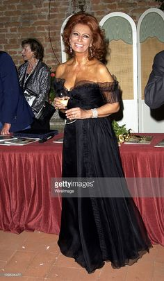Sophia Loren during 2002 Venice Film Festival - Sophia Loren Receives the the 'Premio Bianchi' Award at Excelsior Hotel in Venice Lido, Italy.
