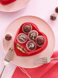 A Very Creative Valentine's Day Cake