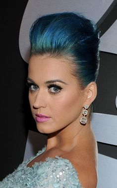 Awesome blue hair Katy Perry! I love it!! Freaking love your blue hair! <3
