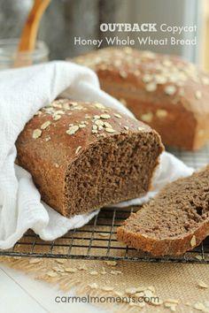 Outback Copycat Honey Whole Wheat Bread | carmelmoments.com