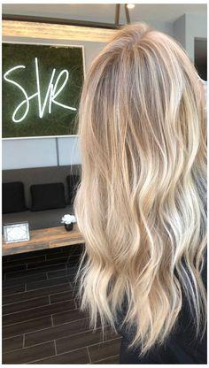 Bright Blonde Hair, Blonde Hair Shades, Dyed Blonde Hair, Blonde Hair Looks, Beach Blonde Hair, Blonde Foils, Hair Foils, Brown Blonde Hair, Blonde Long Hair Cuts
