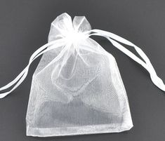 100 Organza bags, white organza bags 9cm x 7cm, party favor bags, jewelry bags, mesh bags, wedding favor bags, birthday party bags, B255 by vickysjewelrysupply. Explore more products on http://vickysjewelrysupply.etsy.com