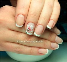 Top Trendy Classic French Manicure – nail art designs
