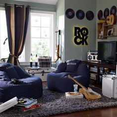Music room decor attractive music room decor inspiring music themed bedroom ideas home design and interior Teen Boy Rooms, Teen Girl Bedrooms, Teen Bedroom, Teen Boys, Rock Bedroom, Pb Teen, Star Bedroom, Small Bedrooms, Kids Rooms