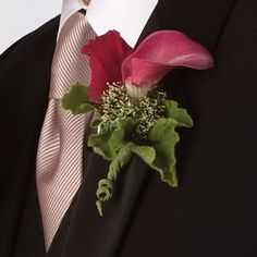 Boutonniere; See different styles and ideas for your wedding or proms, see also pictures of bouquets, corsages and much more for the DIY bride.