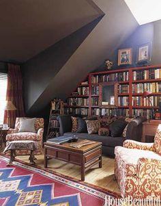 Dark and cozy library. Designer: Amanda Kyser. Photo: Ngoc Minh Ngo. housebeautiful.com #homelibrary #bookshelves