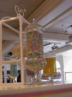 Candy jars for candy bar Candy Buffet Jars, Candy Land, Candy Store, Sweet Sixteen, Party Stuff, Decorating Tips, Party Planning, Soda, Basement