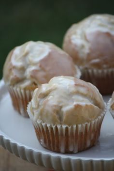 Glazed donut muffins      Ingredients:  For the muffins:  1/4 cup butter, softened  1/4 cup vegetable oil  1/2 cup granulated sugar  1/3 cup brown sugar  2 large eggs  1 1/2 teaspoons baking powder  1/4 teaspoon baking soda  1 teaspoons ground nutmeg, to taste   1 teaspoon cinnamon  3/4 teaspoon salt  1 teaspoon vanilla extract  2 2/3 cups all-purp