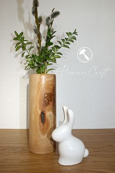 Nachhaltige Deko aus Holz- Drechselvasen aus österreichischen Hölzern. Inspirationen hier auf HammerCraft Inspiration, Home Decor, Natural Materials, Turning, Decorating, Dekoration, Biblical Inspiration, Decoration Home, Room Decor