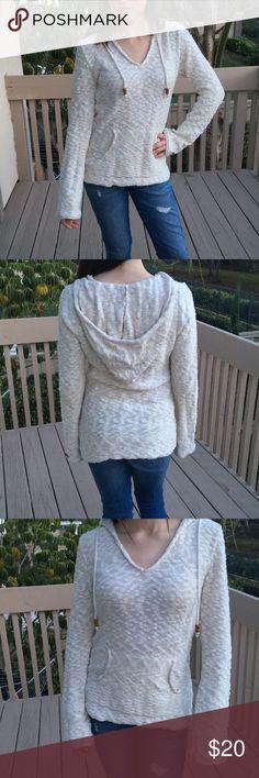 Roxy Hoodie Pockets and beaded detail Roxy Tops Sweatshirts & Hoodies