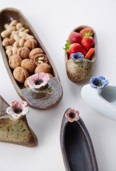 반짝반짝빛나는 핸드메이드도자기그릇 생활도자기접시 도자기꽃신 : 네이버 블로그