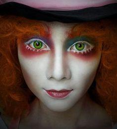 Halloween Makeup : Mad Hatter Alice in Wonderland costume party makeup inspiration Alice In Wonderland Makeup, Wonderland Costumes, Wonderland Party, Mad Hatter Makeup, Mad Hatter Cosplay, Mad Hatter Costumes, Female Mad Hatter Costume, Looks Halloween, Halloween Inspo