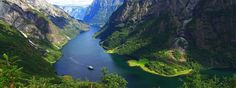 Fjord Norway has its name from the many beautiful fjords. But what exactly is a fjord? A fjord is a deep, narrow and elongated sea or lakedrain, with steep land on three… Oslo, Norway Tours, Norway Travel, Stavanger, Bergen, Holidays In Norway, Norway In A Nutshell, Norway Fjords, Nature Sauvage