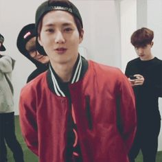 EXO Suho speaking and then there'a Chen and D.O. in the background xD #joonmyun #jongdae #kyungsoo