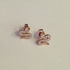 Ssssee ya next week! ... #TGIF #hallehjewelry #earrings #lovegoldlive