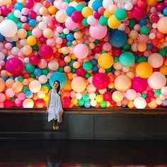 My husband created an awesome balloon wall for our wedding and the director he's currently working with saw pics of it and wanted him to recreate it for a commercial they are working on- so here it is: balloon wall volume I hope this becomes a regular o Balloon Installation, Balloon Backdrop, Balloon Garland, Balloon Decorations, Baloon Wall, Balloon Ceiling, Wall Backdrops, Colourful Balloons, Tropical Colors