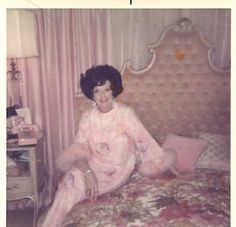 late 1950s to early 1960s.  Such decor ! We laugh, but I have always wanted one of those tufted headboards. :)