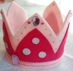 coroa de princesa em feltro e pedrarias Princess Crown (Ribbon around bottom)