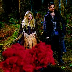 "A Wardrobe Change, Emma and Hook, -""Snow Drift"" 3*21"