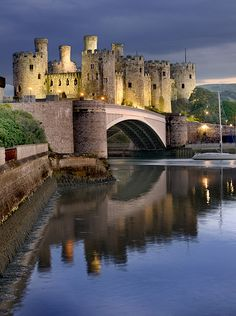 The medieval Conwy Castle (English Conway Castle) built 1283 and 1289 for Edward 1st, one of the finest medieval examples of military architecture in Europe, a UNESCO World Heritage Site, Conwy, Wales