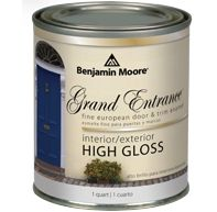 Spotted on Elements of Style / Benjamin Moore Grand Entrance paint mimics the high gloss, enamel finish on European doors.