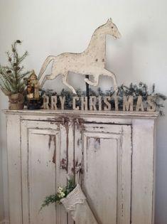palest vintage christmas decor - Minick & Simpson