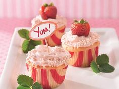 16 fresh ideas for beautiful baby showers | #BabyCenterBlog This would be good for Lizzies Strawberry shortcake party :)