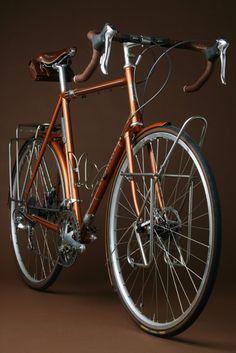 Vanilla bikes, Touring 2. Retro-yet new technology (disc brakes)