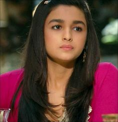 Alia bhatt Bollywood Girls, Bollywood Stars, Bollywood Celebrities, Bollywood Actress, Alia Bhatt Varun Dhawan, Alia Bhatt Photoshoot, Aalia Bhatt, Alia Bhatt Cute, Alia And Varun