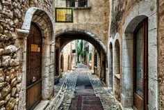 Archway and Street, Saint Paul de Vence