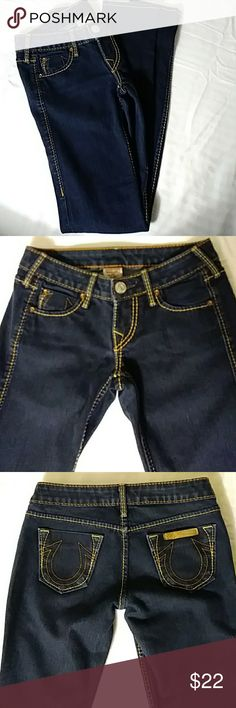 True Religion Skinny Jeans Sz 24 Pre-💘 In excellent condition Waist: 24 Rise: 6 Inseam: 30 True Religion Jeans Skinny