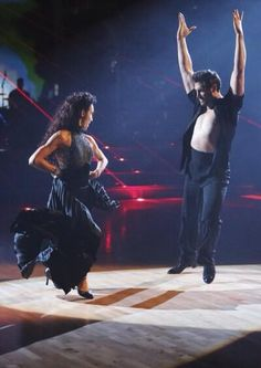 DWTS anniversary special oh I can not wait to see this @MaksimC @Meryl_Davis beautiful just beautiful!!!