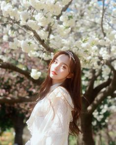 Find images and videos about girl, aesthetic and ulzzang on We Heart It - the app to get lost in what you love. Korean Beauty Girls, Pretty Korean Girls, Cute Korean Girl, Beautiful Asian Girls, Asian Beauty, Ulzzang Korean Girl, Uzzlang Girl, Pink Girl, Fotos Do Instagram