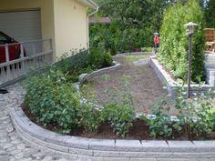Kauniit, ympäristöön sopivat reunukset myös antavat kukkapenkille siistin, viimeistellyn ilmeen.