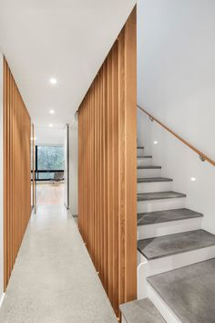 Atrium Townhome in Montréal, Canada / RobitailleCurtis Latest House Designs, Cool House Designs, Slow Design, Urban Design, Glass Pocket Doors, Entry Hallway, Ground Floor Plan, Polished Concrete, Terraced House