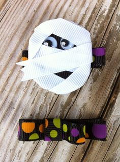 Your place to buy and sell all things handmade Halloween Hair Clips, Halloween Bows, Ribbon Hair Bows, Diy Hair Bows, Ribbon Art, Ribbon Crafts, Ribbon Sculpture, Boutique Hair Bows, Making Hair Bows