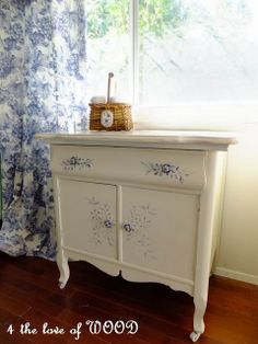 4 the love of wood: DELFTWARE POTTERY CABINET - handpainted washstand