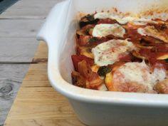 Vegetarische lasagne zonder lasagnevellen en bomvol groente. Deze groentelasagne is super healthy, heerlijk én makkelijk om te maken.