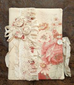 Gorgeous Etsy listing at https://www.etsy.com/listing/187331562/gorgeous-vintage-roses-fabric-journal