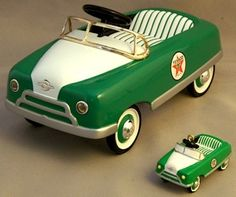 1948 BMC Pedal Car and Matching Holiday Ornament - Texaco